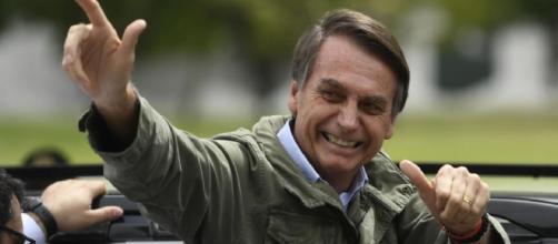 Durante discurso, em tom de riso, Bolsonaro diz que não é homofóbico. (Arquivo Blasting News)