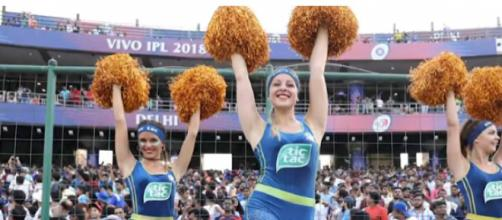 IPL 2018: Cheer girls at the finals. [Image source/Cricbuzz YouTube video]