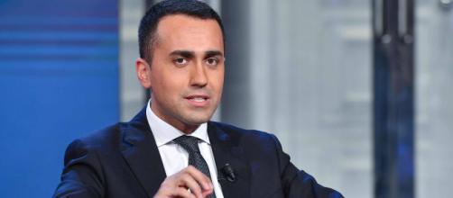 """Salario minimo, Di Maio rilancia: """"Votiamola tutti""""."""