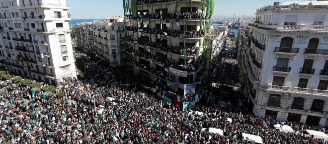 Révolution algérienne : Le 19 mars, le peuple se réunit et manifeste contre Bouteflika
