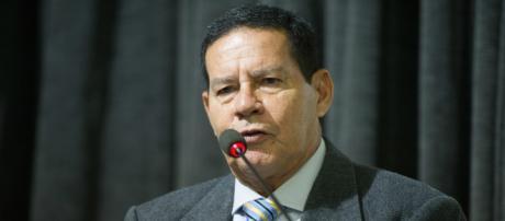 General Mourão rebate insinuações de Olavo de Carvalho - (Foto/Arquivo/BlastingNews)
