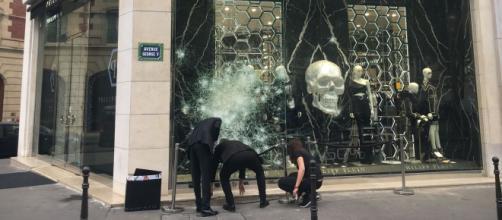 Après la victoire des Bleus, des commerçants évaluent les dégâts ... - lefigaro.fr
