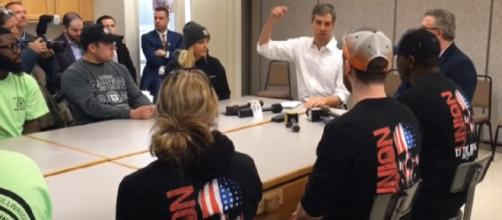 Beto O'Rourke makes campaign stop in Michigan. [Image source/MLive YouTube video]
