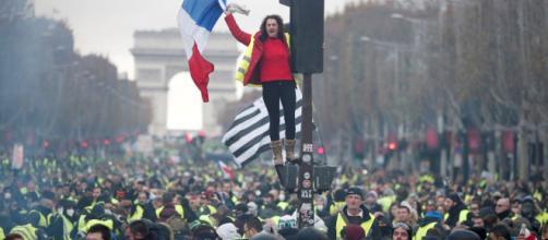 Francia anuncia medidas después de las protestas del pasado 16 de marzo