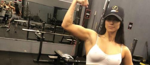 Jully é musa fitness (Reprodução/Instagram/@jullyoliveira_oficial)