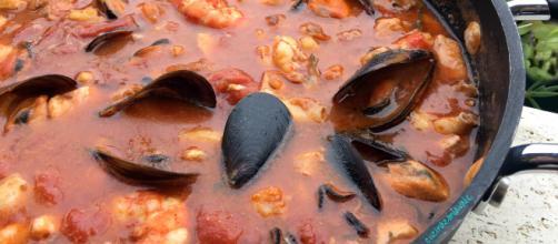 La ricetta della zuppa di pesce a base di rombo e rana pescatrice