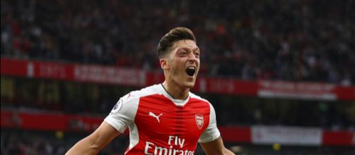 Mesut Ozil, calciatore dell'Arsenal.