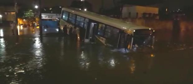 Rio passou por estágio de atenção na madrugada de quarta (Arquivo Blasting News)