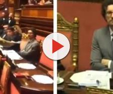"""Marcucci consegna dossier a Toninelli sulle opere bloccate, ma qualcuno urla: """"Prendi cretino"""""""