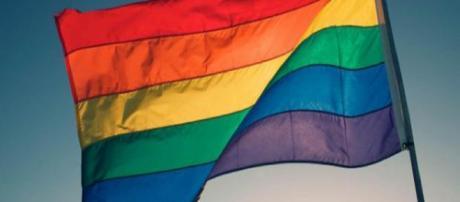 Para alguns, a homossexualidade ainda é crime. (Foto: Arquivo Blasting News)