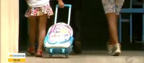 Professora teria revistado mochilas em escola de Franca (SP) (Reprodução - TV Tem)