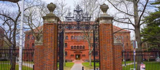Harvard é uma das universidades mais renomadas do mundo. (Arquivo Blasting News)