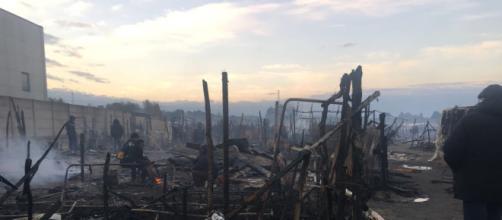 San Ferdinando, l'incendio nella tendopoli uccide un migrante (immagine di repertorio)