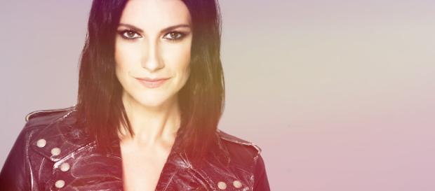 Laura Pausini sarà ospite ad Amici sabato 30 marzo