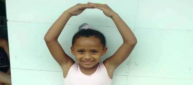 Ana Vitória, de 6 anos, desapareceu enquanto brincava no quintal da casa da avó em Registro, SP (Foto: Arquivo Pessoal)