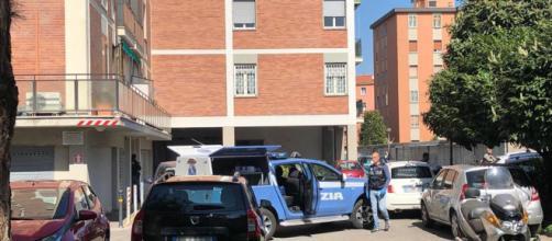 Due fratellini sono morti cadendo dall'ottavo piano a Bologna