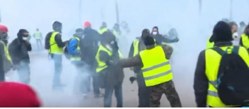 France to deploy troops to maintain security during Yellow Vest protests. [Image source/FRANCE 24 English YouTube video]