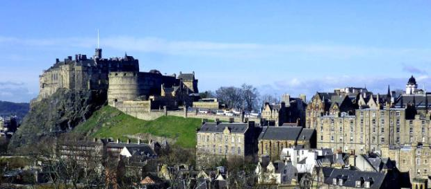 Edinburgh offers many culinary delights, but also has several restaurants serving gluten-free dishes. [Image Kim Traynor/Wikimedia]