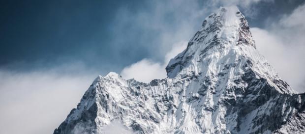 Monte Everest passa por processo de derretimento e corpos congelados aparecem. (Arquivo Blasting News)