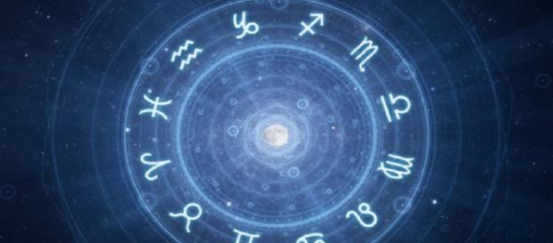 Oroscopo del giorno domenica 24 marzo: gioia e fantasia per lo Scorpione, pace per il Sagittario
