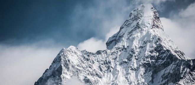Corpos de montanhistas congelados há anos aparecem no Everest