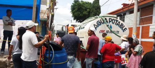 Hogares mexicanos padecen la falta del servicio de agua. - ritmoparana.com