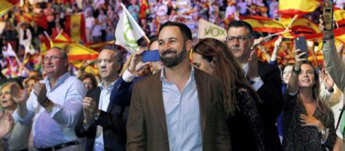 Santiago Abascal defiende la tenencia de armas