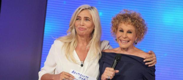 Mara Venier con Ornella Vanoni, la cantante è stata protagonista della puntata di oggi pomeriggio di Domenica In