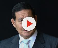 Mourão é questionado sobre briga entre Bolsonaro e Maia. (Arquivo Blasting News)