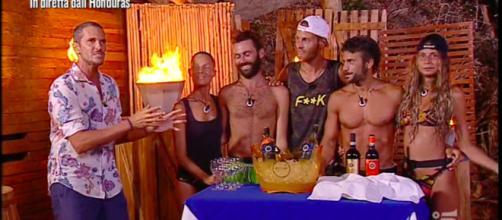 Alvin, Marina La Rosa, Luca Vismara, Aaron Nielsen, Marco Maddaloni e Sarah Altobello (credit: L'Isola dei Famosi)