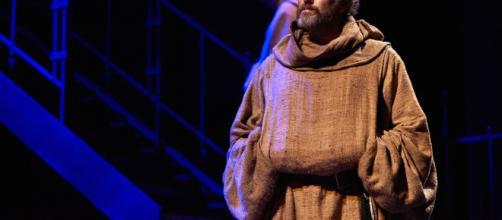 """PRIMA ASSOLUTA AL TEATRO CARIGNANO DI TORINO DE """"IL NOME DELLA ... - teatrostabiletorino.it"""