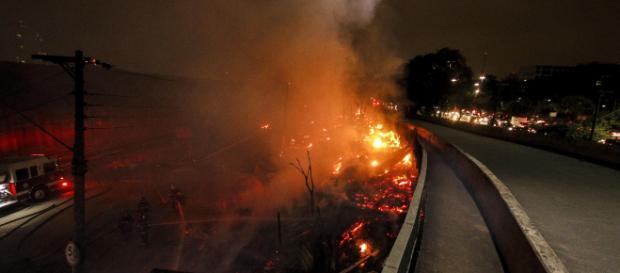 Fogo destruiu quase todos os barracos (Arquivo Blasting News)