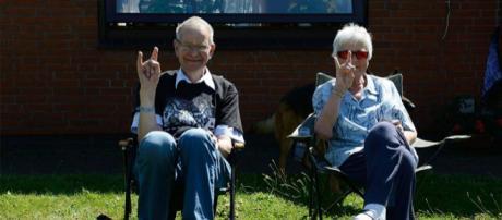 """Anziani """"metallari"""" accusati di molestie per aver fatto sentire gli Iron Maiden ai vicini di casa"""