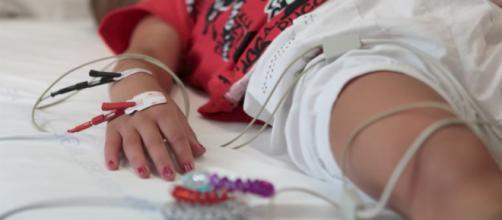 A Bari, migliorano le condizioni del bambino ricoverato per aver bevuto un succo di frutta