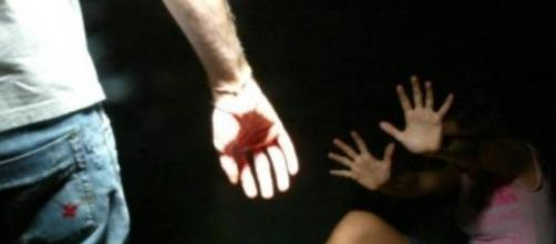 Catania, abusi alla ragazza americana: uno degli aggressori si è vantato al pub.