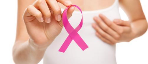 Foto em referência ao outubro rosa, mês voltado à prevenção do câncer de mama (Arquivo Blasting News)