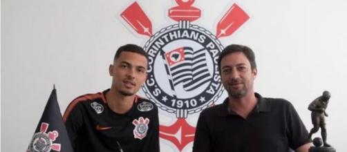 Thiaguinho ficará em definitivo no Corinthians. (Divulgação/Corinthians)