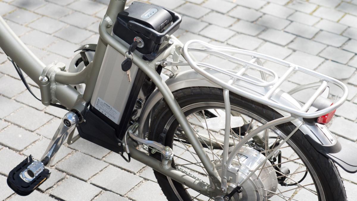 Bicicletta Elettrica Pronto Disegno Di Legge Casco Obbligatorio