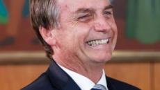 Ao falar de articulações, Bolsonaro diz: 'não vou jogar dominó com Lula e Temer no xadrez'