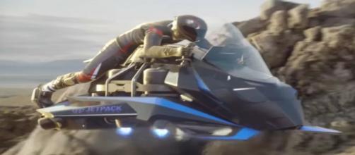 Moto voadora está sendo desenvolvida e já está à venda. (Reprodução/YouTube)