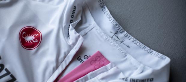 Giro d'Italia, presentate le nuove maglie