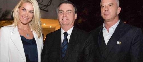 Ana Hickmann posta foto com Bolsonaro. (Foto: Reprodução/Instagram/@ahickmann/)