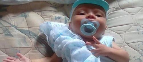 Bebê morre após ser espancado pelo pai. (Reprodução Facebook/Arquivo Pessoal)
