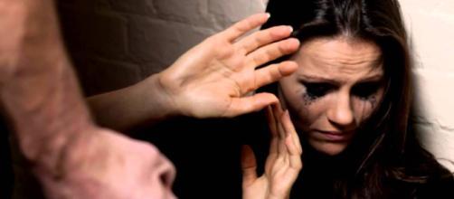 Câmara envia para o Senado projeto de lei sobre violência doméstica. (Arquivo Blasting News)