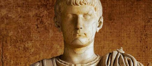 Delirio, locura y crímenes de Calígula, el más cruel de los ... - sintoniauno.com