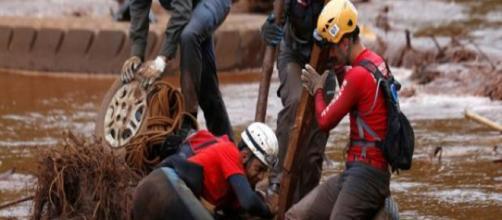 Bombeiros que participaram em Brumadinho irão ajudar na tragédia de Moçambique. (Arquivo Blasting News)