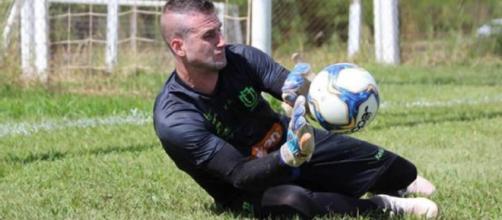 Goleiro Victor Golas está no Maringá. (Divulgação/Maringá).