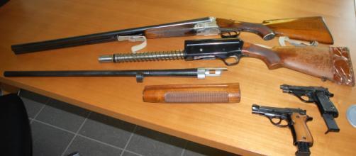 La Lega propone di snellire e facilitare l'iter per l'acquisto di armi da fuoco per legittima difesa