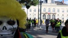 Les gilets jaunes interdits de manifester dans plusieurs grandes villes françaises