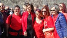 Verona, Congresso delle famiglie: Boldrini balla in piazza con le femministe (VIDEO)